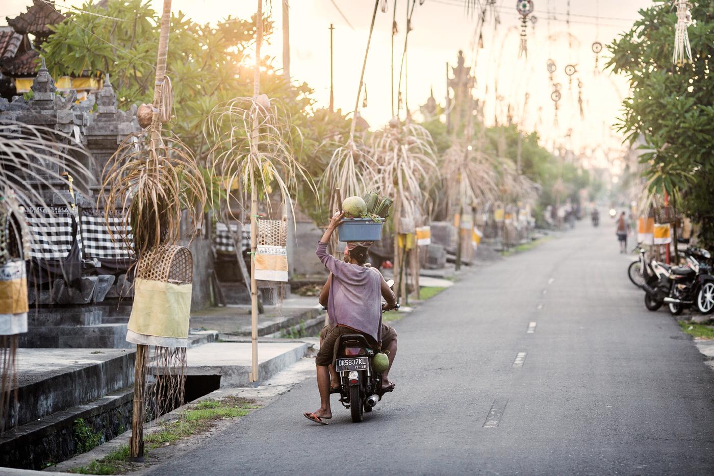 Картинки по запросу общественный транспорт на бали